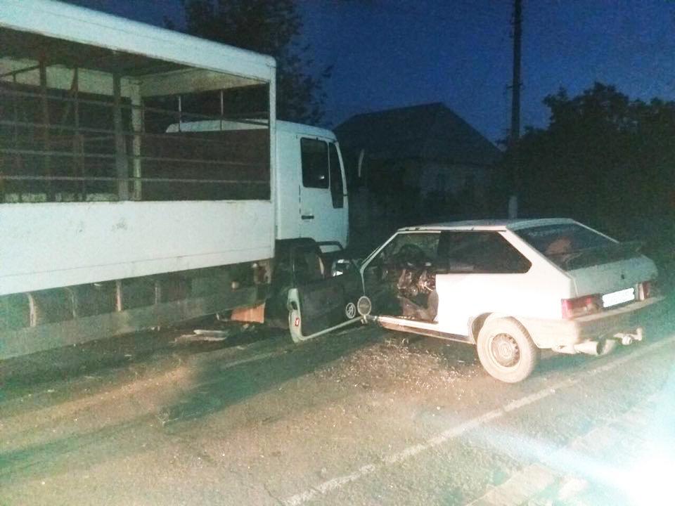 На Николаевщине в ДТП мужчину зажало в обломках машины, - ФОТО, фото-2