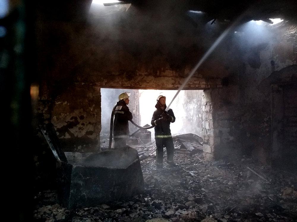 На Николаевщине загорелась столовая и магазин, - ФОТО, фото-5