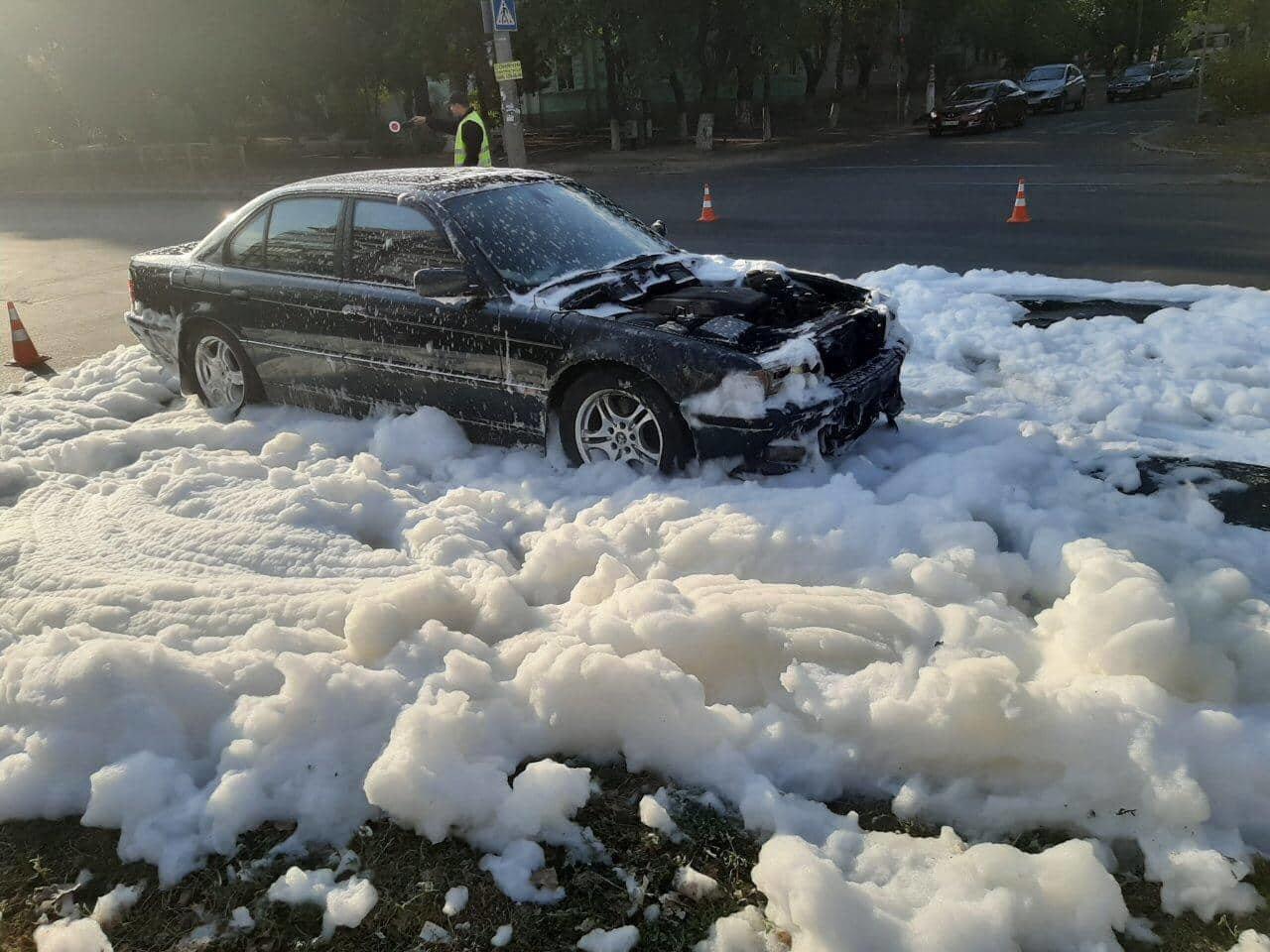 На Николаевщине спасатели потушили сразу два автомобиля за сутки, - ФОТО , фото-2