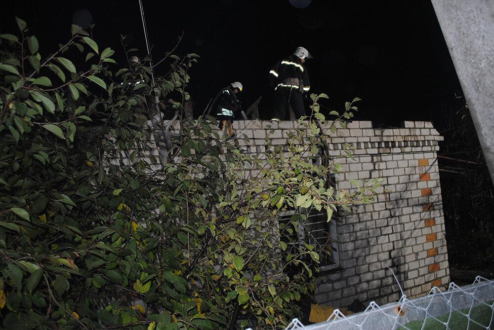 На Николаевщине загорелась крыша дома, - ФОТО , фото-1