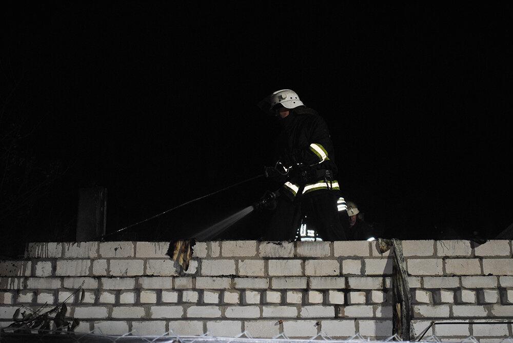 На Николаевщине загорелась крыша дома, - ФОТО , фото-2