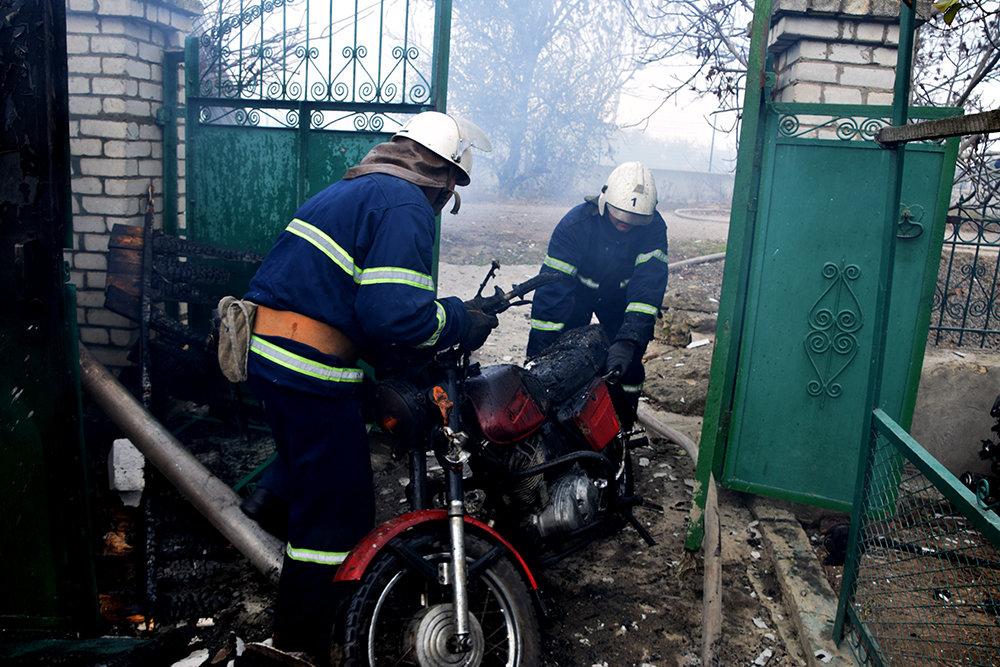 На Николаевщине  в частном секторе горел гараж, - ФОТО , фото-3