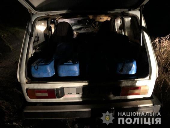 """На Николаевщине поймали работников """"Укрзалізниці"""", сливающих топливо, - ФОТО, фото-1"""