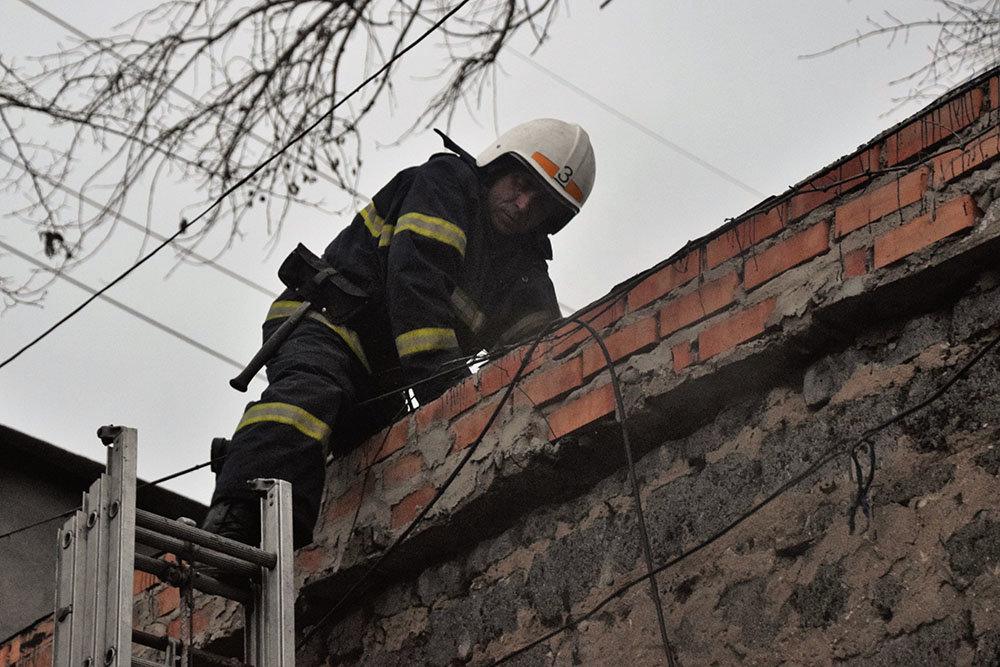 В Николаеве спасатели тушили пожар в цеху, - ФОТО, фото-4