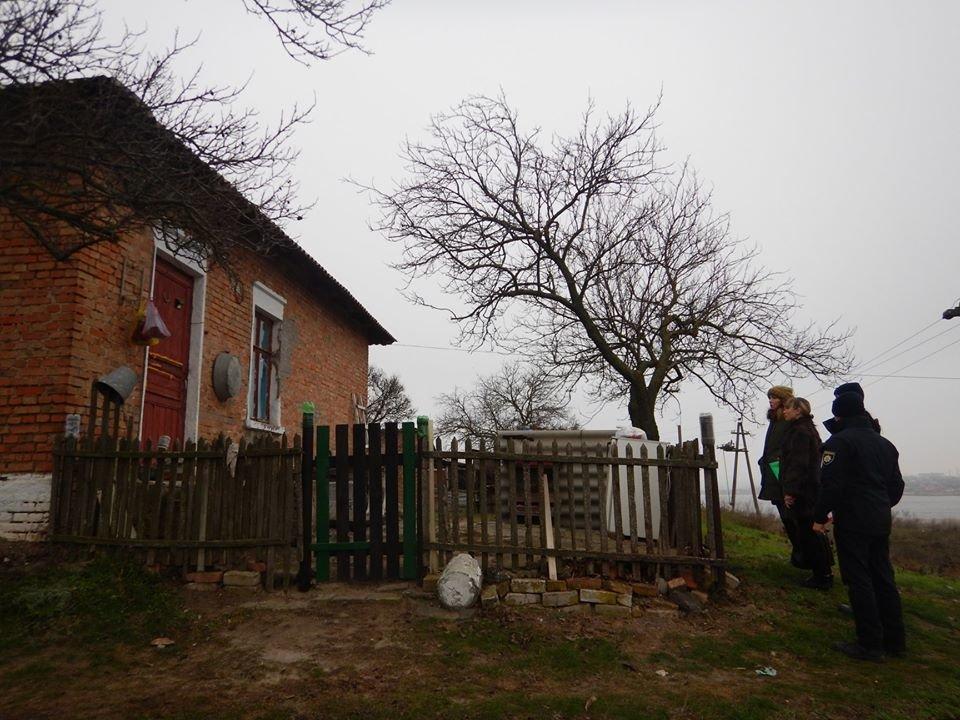 В Николаеве составили админпротокол на мать, которая часто оставляла ребенка дома одну, фото-7