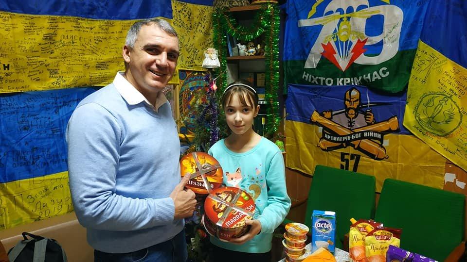 В Рождество мэр Николаева посетил пост волонтеров на автовокзале, - ФОТО, фото-1