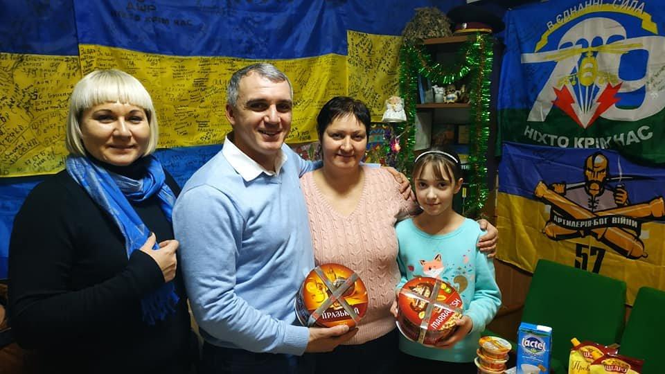 В Рождество мэр Николаева посетил пост волонтеров на автовокзале, - ФОТО, фото-7