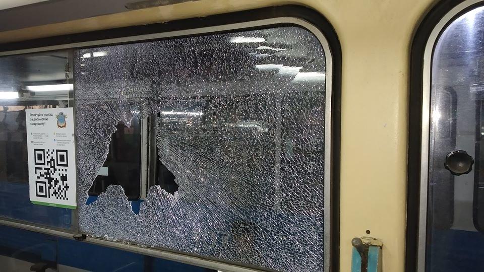 В Николаеве обстреляли два трамвайных вагона с пассажирами, - ФОТО, фото-4