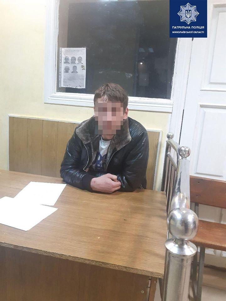 Николаевские патрульные поймали нетрезвого водителя без документов, - ФОТО, фото-2