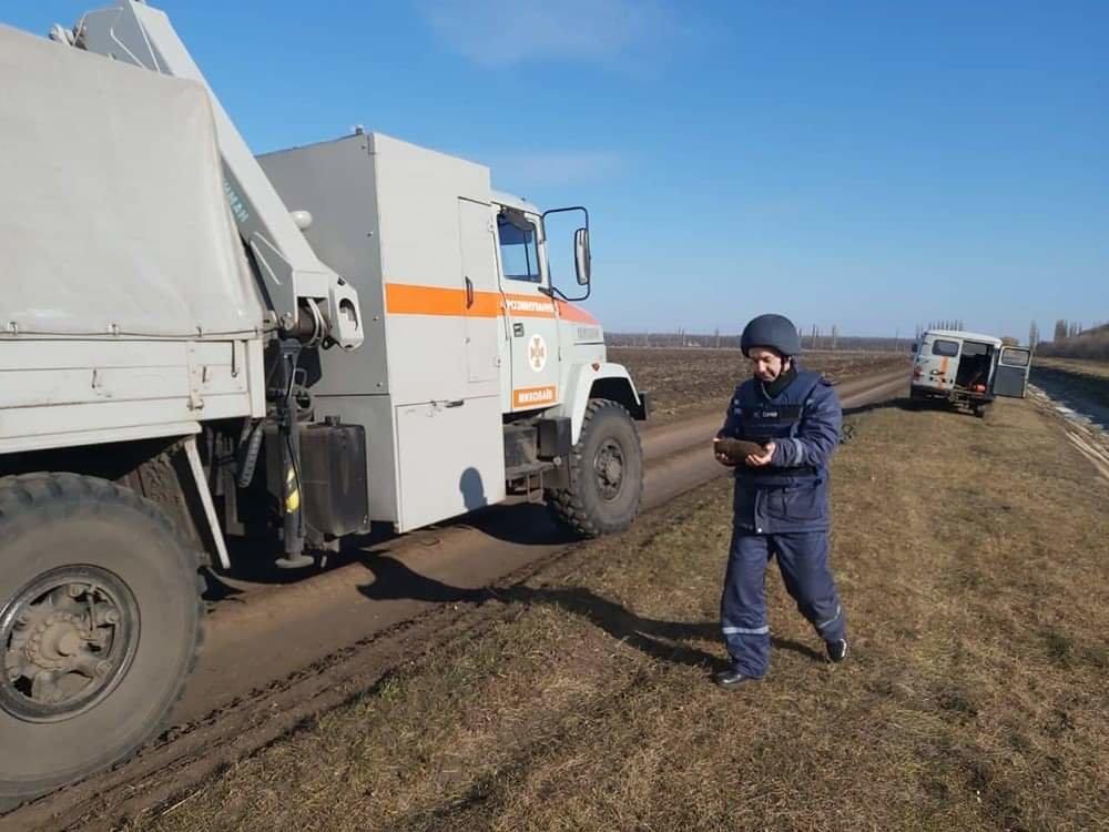 На Николаевщине местный житель нашел снаряд времён прошлых войн, - ФОТО, фото-1