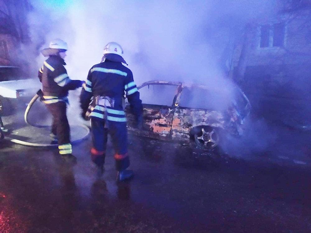 Ночью в Николаеве по неизвестной причине загорелось авто, - ФОТО, фото-1