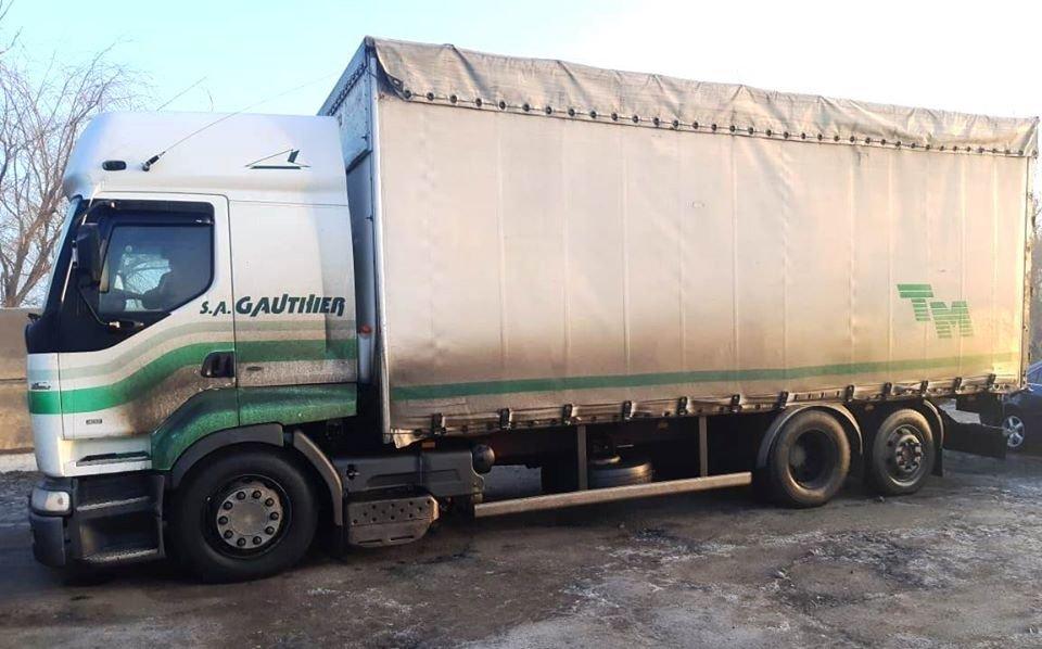 На Николаевщине в грузовике нашли 15 тонн спирта на 2,5 миллиона гривен, - ФОТО, фото-1