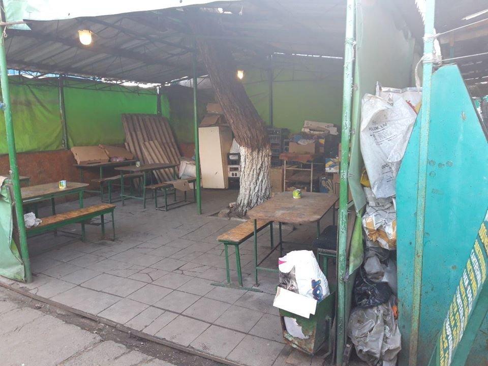 В Николаеве  закрывают еще  один из многочисленных городских рынков, - ФОТО, фото-2