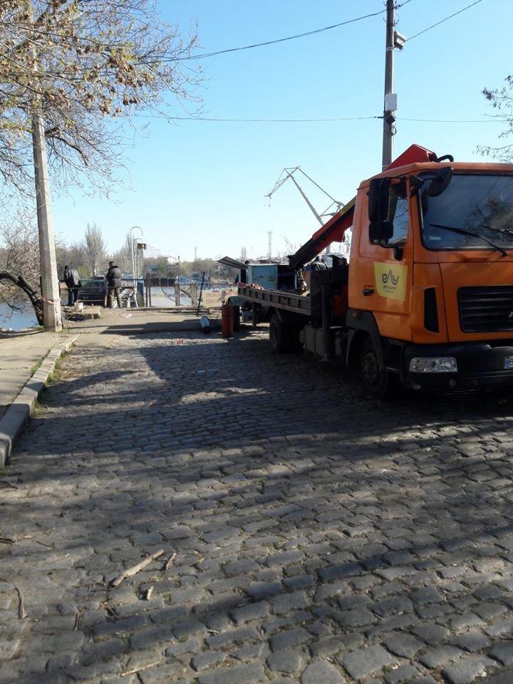 В Николаеве на понтонном мосту начали восстанавливать перила, - ФОТО, фото-1
