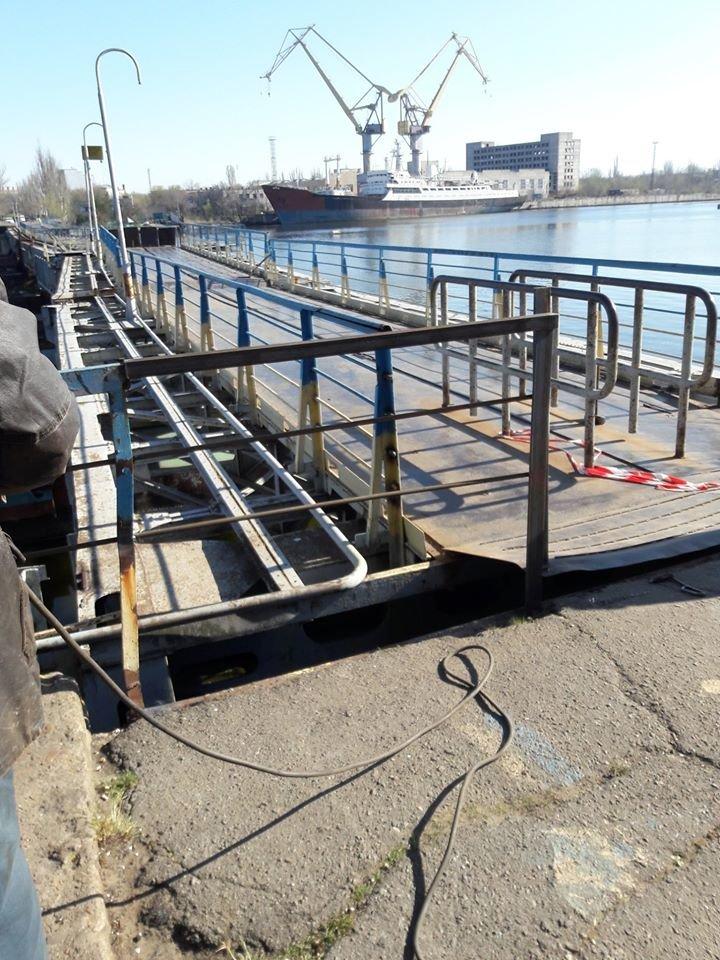 В Николаеве на понтонном мосту начали восстанавливать перила, - ФОТО, фото-4