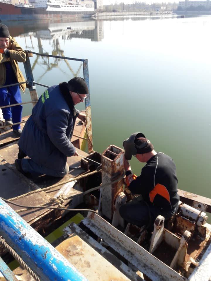 В Николаеве закончили ремонт понтонного моста, который в феврале рухнул из-за ветра, - ФОТО, фото-2