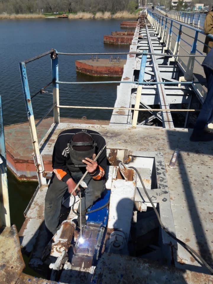 В Николаеве закончили ремонт понтонного моста, который в феврале рухнул из-за ветра, - ФОТО, фото-4