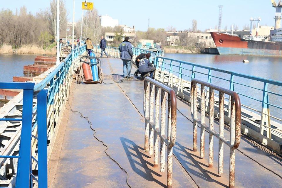 В Николаеве закончили ремонт понтонного моста, который в феврале рухнул из-за ветра, - ФОТО, фото-3