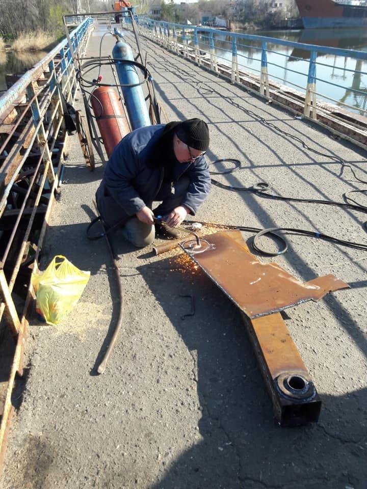 В Николаеве закончили ремонт понтонного моста, который в феврале рухнул из-за ветра, - ФОТО, фото-6