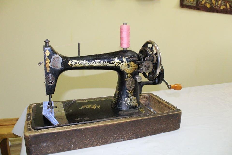 Коллекция николаевского краеведческого музея пополнилась 119-летней швейной машинкой, фото-3