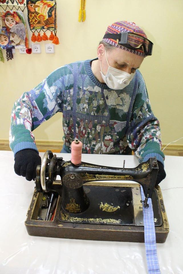 Коллекция николаевского краеведческого музея пополнилась 119-летней швейной машинкой, фото-4