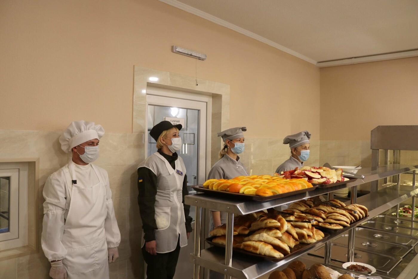 В николаевской части Нацгвардии открыли современную столовую, - ФОТО, фото-3