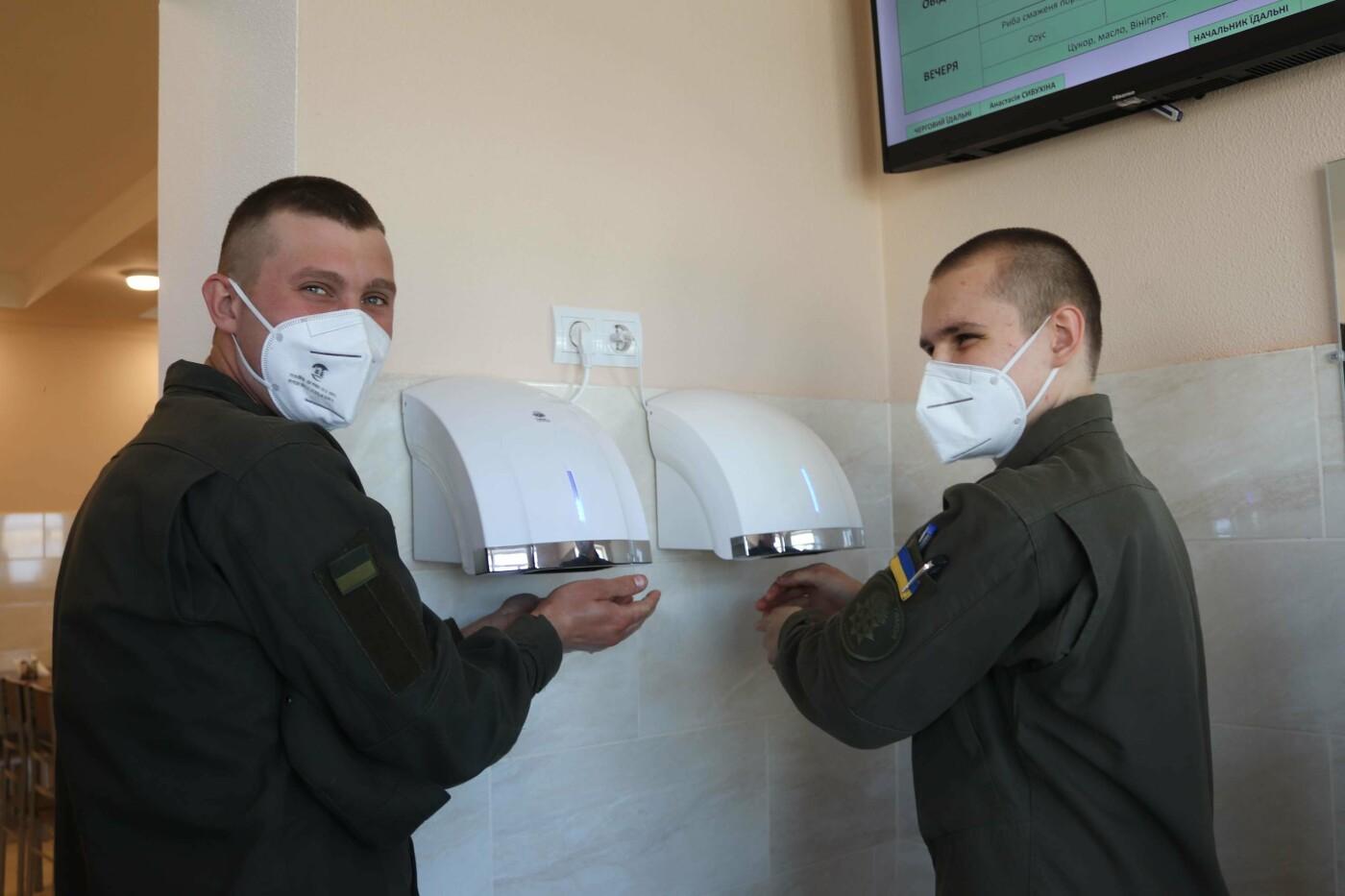 В николаевской части Нацгвардии открыли современную столовую, - ФОТО, фото-5