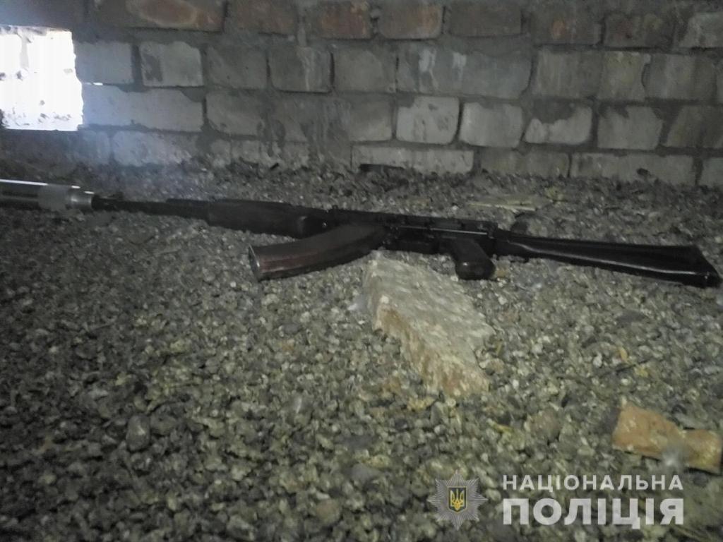 Расследование покушения на убийство в Николаеве: обнаружено оружие, место засады киллера, озвучены версии, фото-1