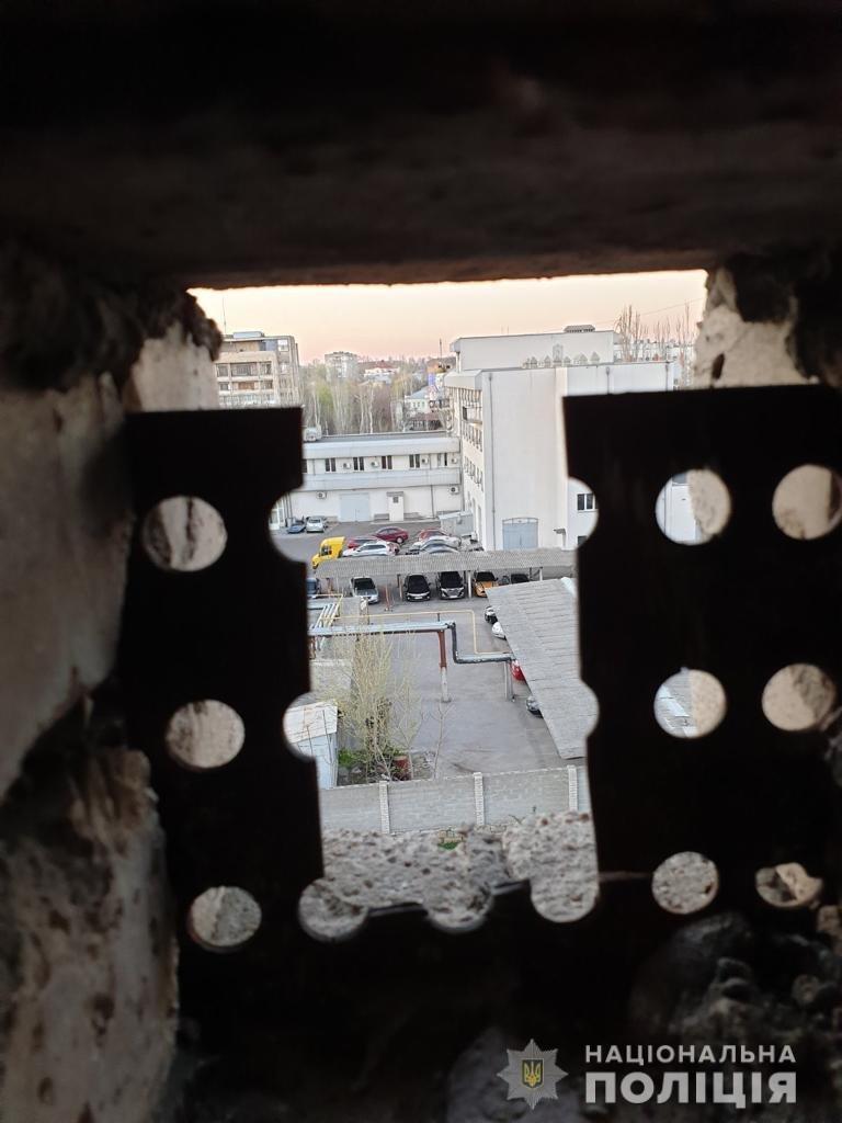 Расследование покушения на убийство в Николаеве: обнаружено оружие, место засады киллера, озвучены версии, фото-2