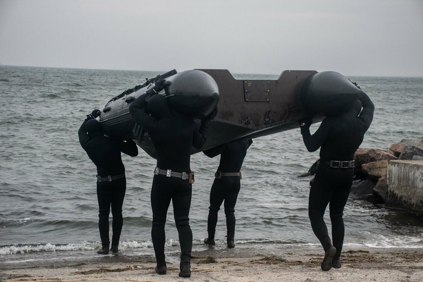 На Николаевщине водолазы-разведчики показали, как проходит их боевая подготовка, - ФОТО, фото-1