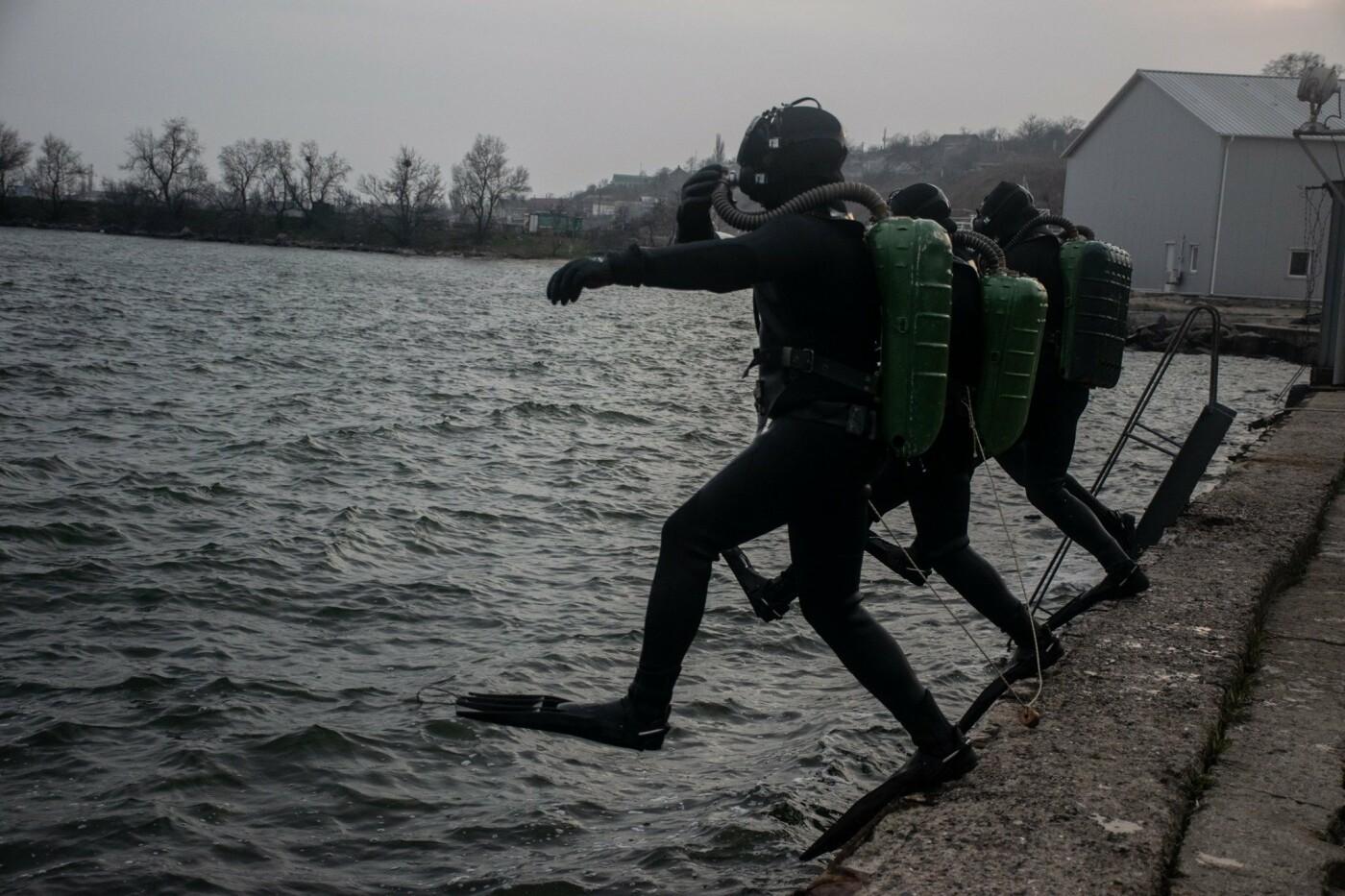На Николаевщине водолазы-разведчики показали, как проходит их боевая подготовка, - ФОТО, фото-2