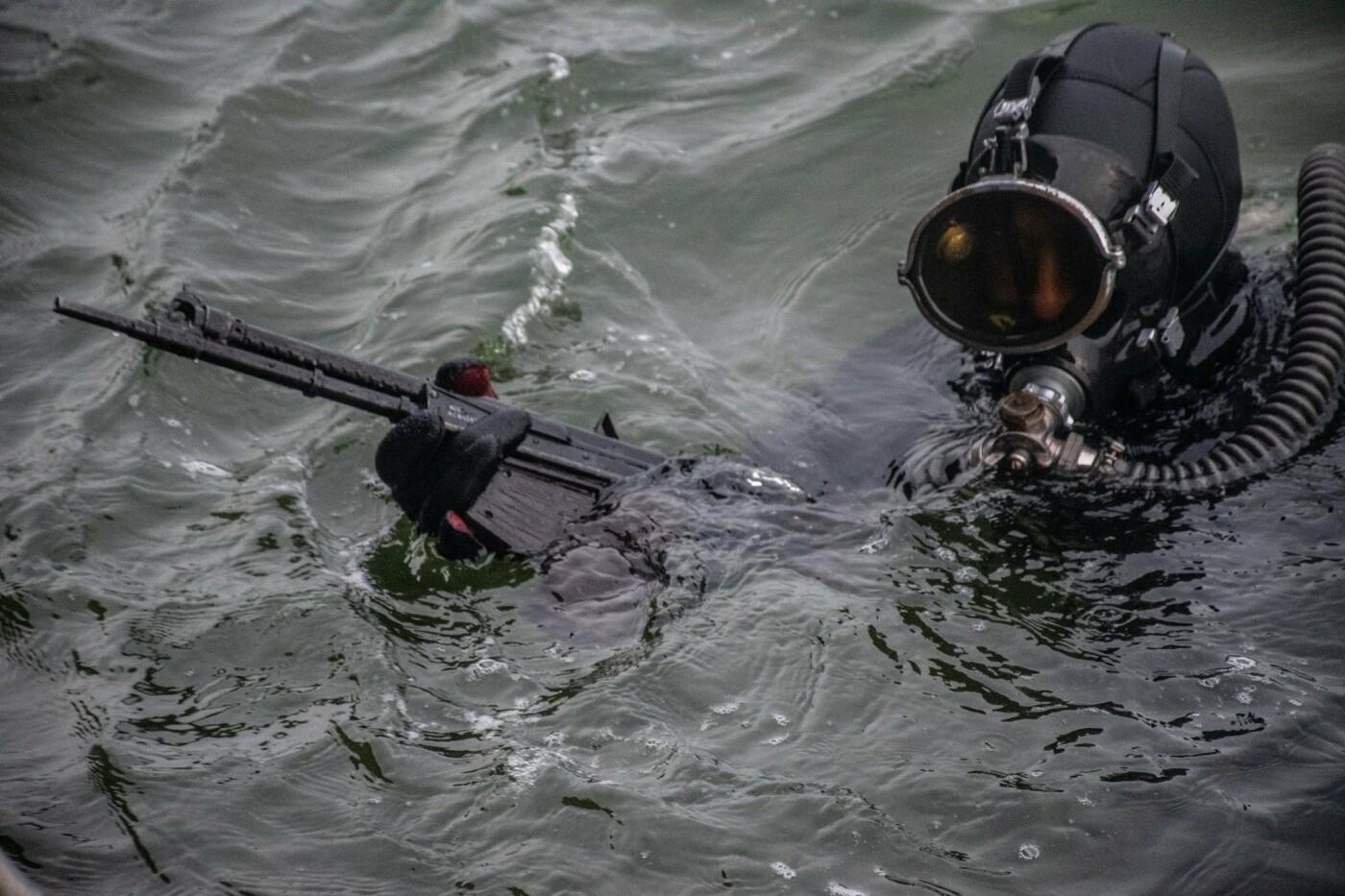 На Николаевщине водолазы-разведчики показали, как проходит их боевая подготовка, - ФОТО, фото-3