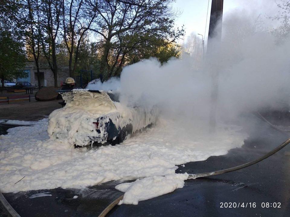 В Николаеве горело авто: причины устанавливаются, - ФОТО, фото-2