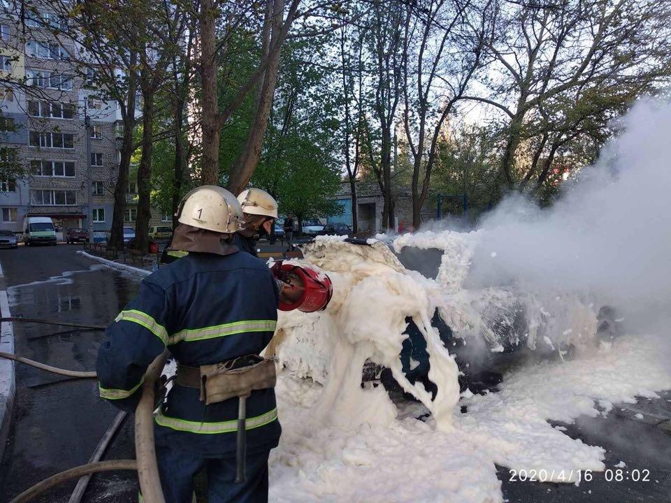 В Николаеве горело авто: причины устанавливаются, - ФОТО, фото-3