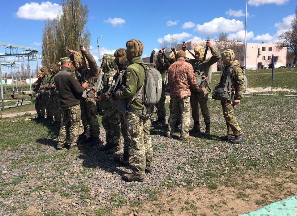В николаевском учебном центре ВМС проходит курс морского пехотинца, - ФОТО, фото-4