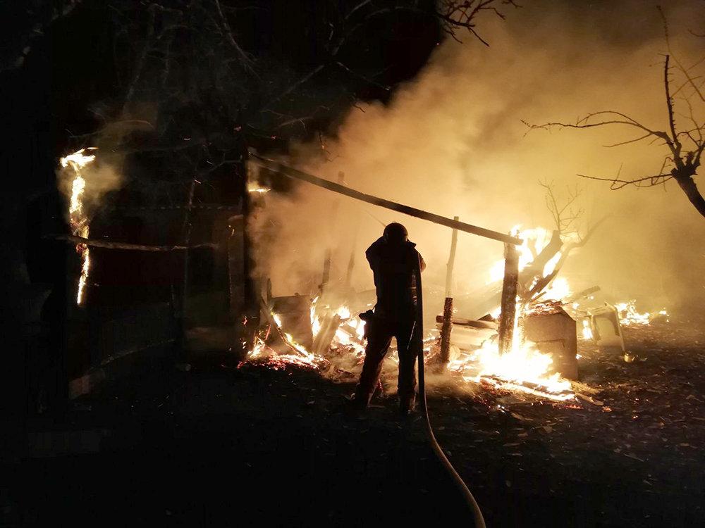 На Николаевщине в селе Мигия горело хозяйственное здание, - ФОТО, фото-2