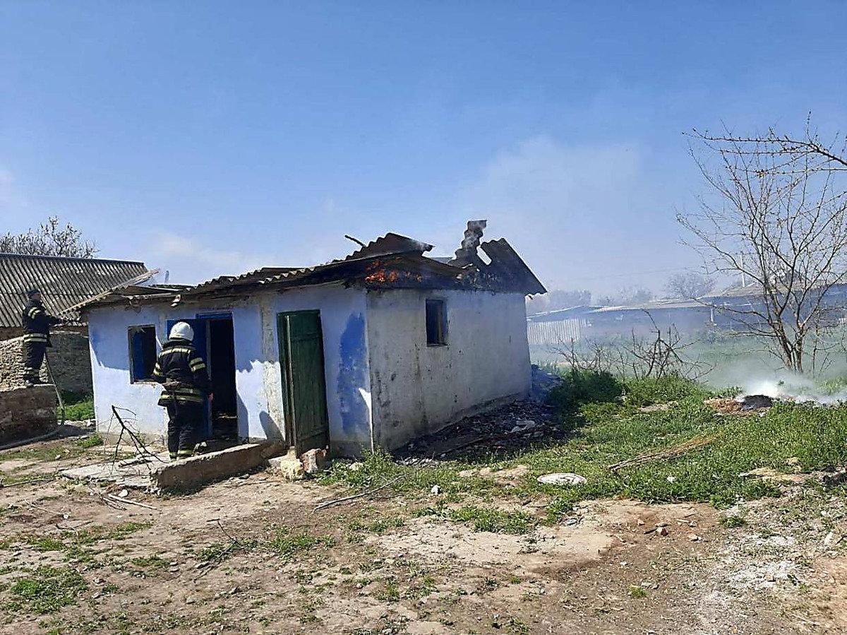 В Николаевской области из-за детских шалостей с огнем загорелась хозпостройка, - ФОТО, фото-1