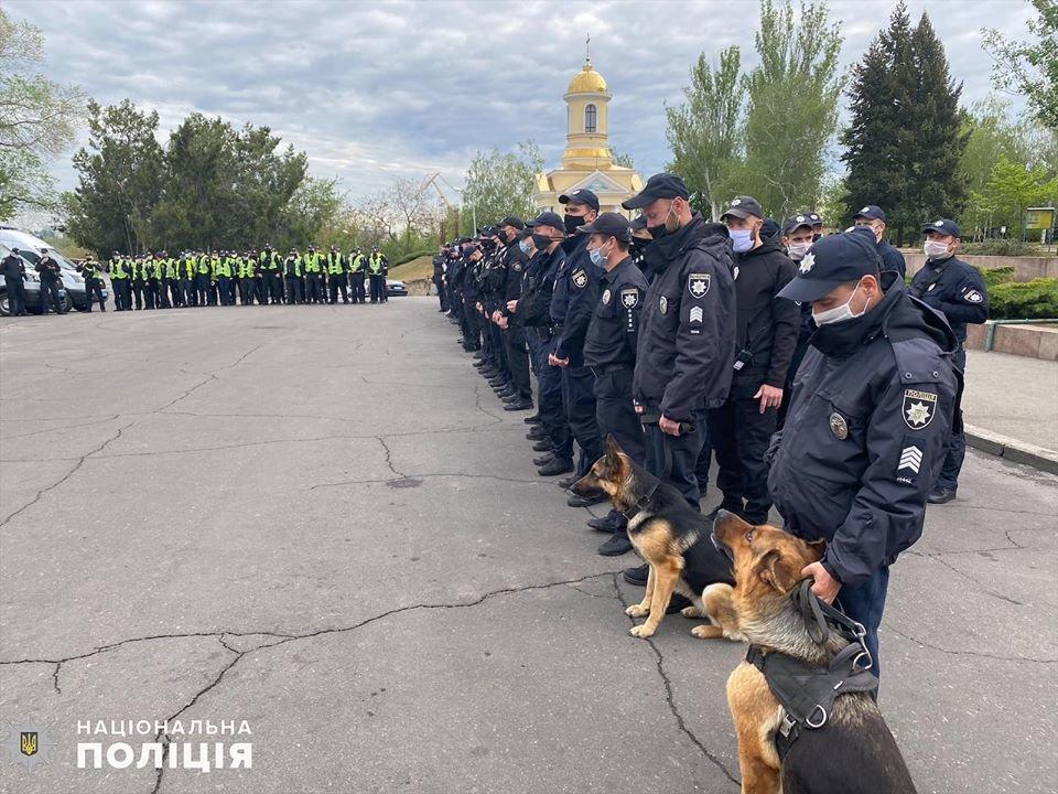 Николаевские полицейские в праздничные дни работают в усиленном режиме, - ФОТО, фото-18