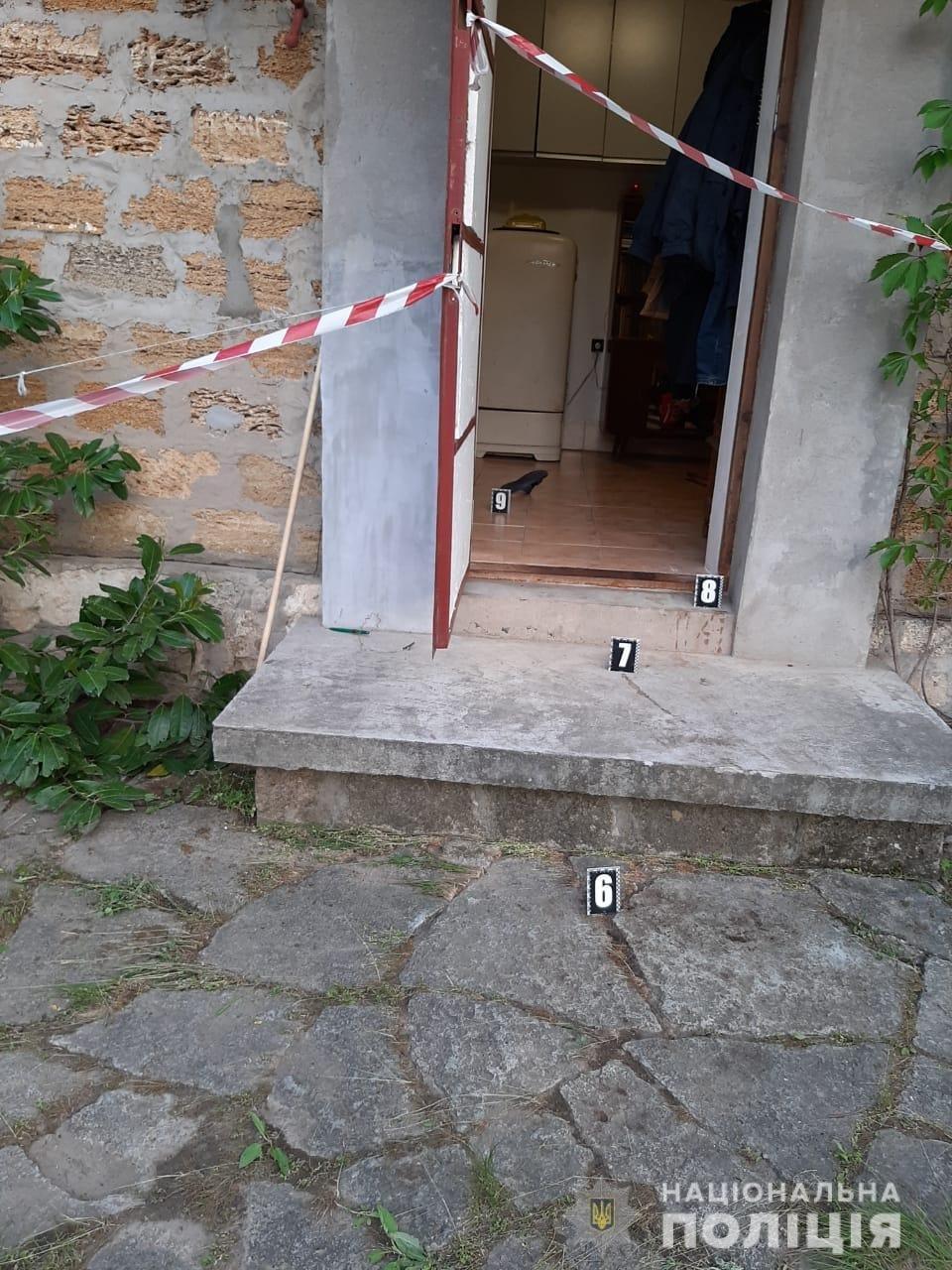 На Николаевщине местного жителя обнаружили закопанным в собственном дворе, - ФОТО, фото-2
