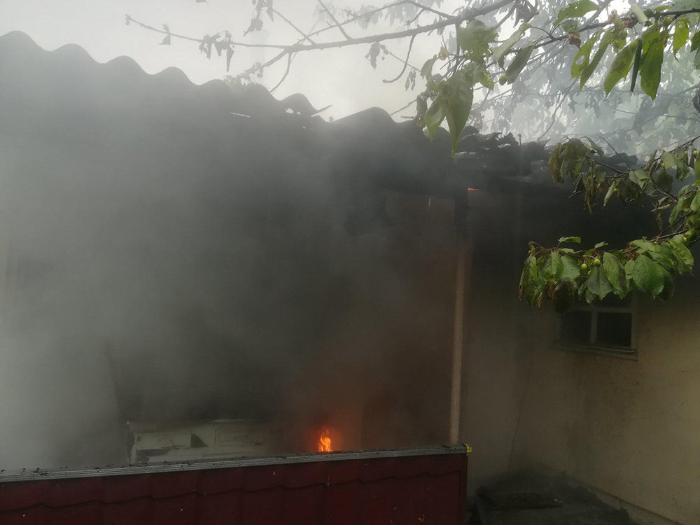 В Николаеве загорелся жилой дом - причины устанавливаются, - ФОТО, фото-2