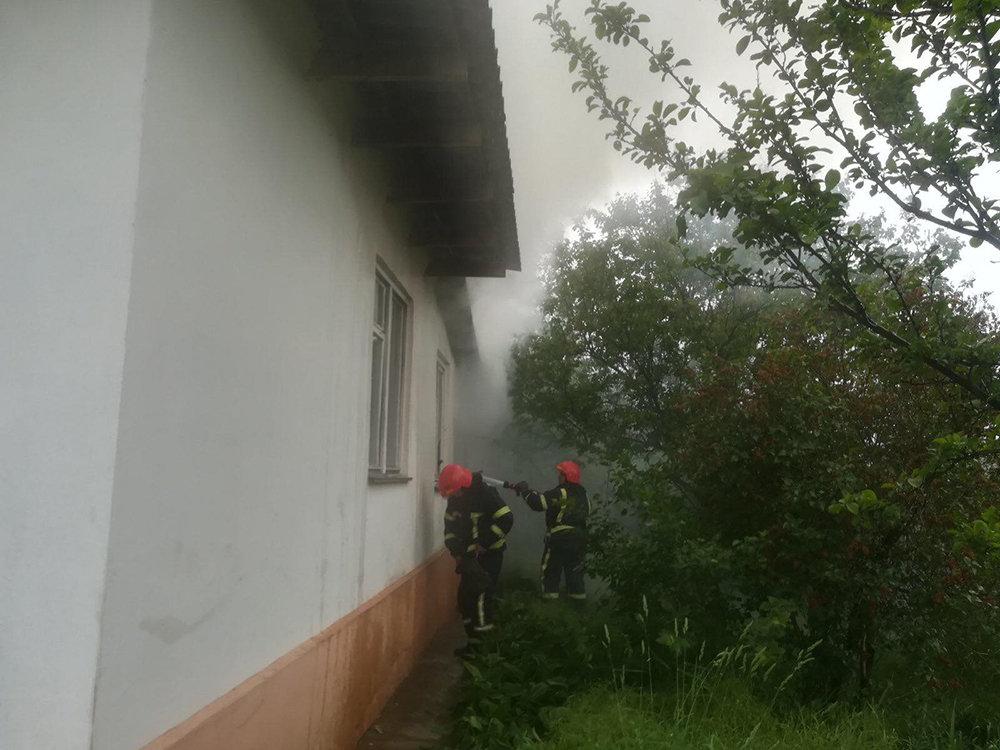 В Николаеве загорелся жилой дом - причины устанавливаются, - ФОТО, фото-3