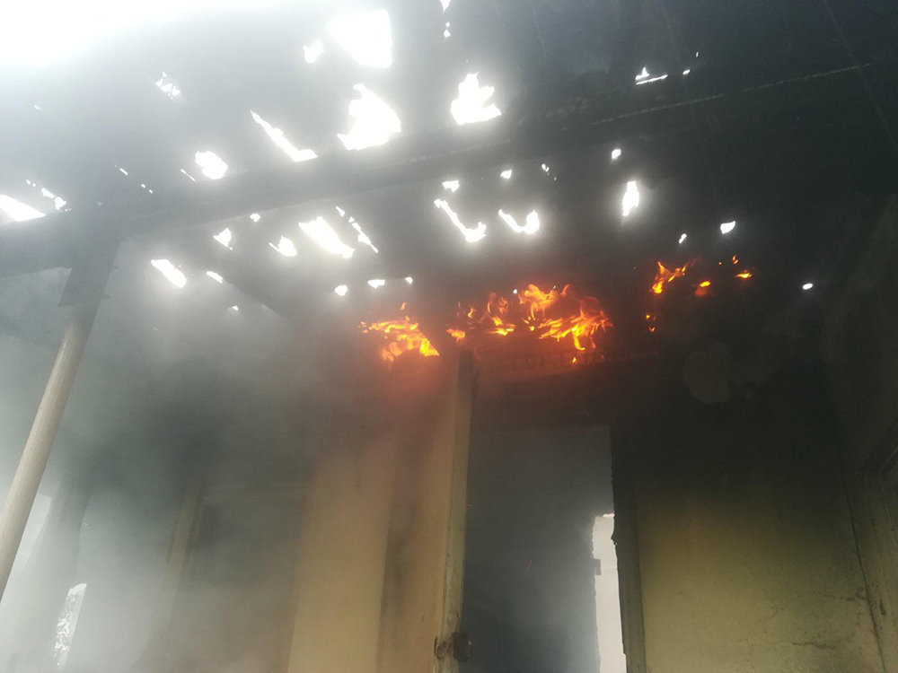 В Николаеве загорелся жилой дом - причины устанавливаются, - ФОТО, фото-1