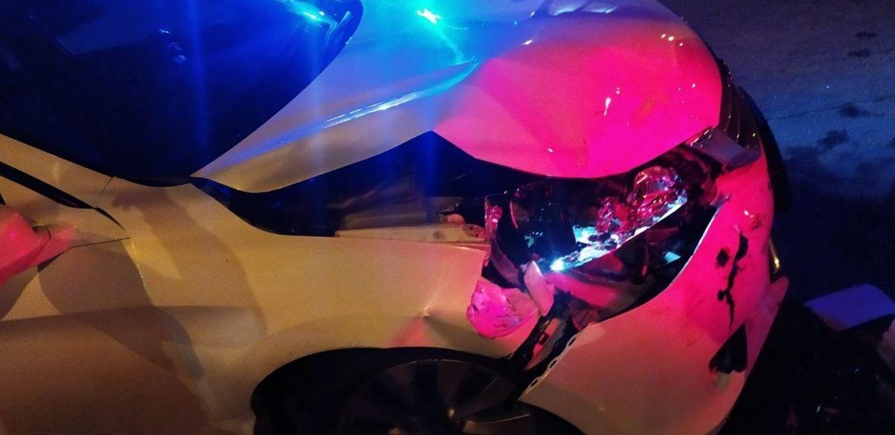 Ночью в Николаеве на Пушкинском кольце столкнулись две иномарки, - ФОТО, фото-2