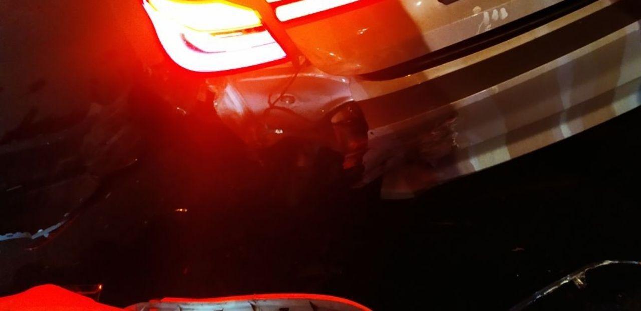 Ночью в Николаеве на Пушкинском кольце столкнулись две иномарки, - ФОТО, фото-5