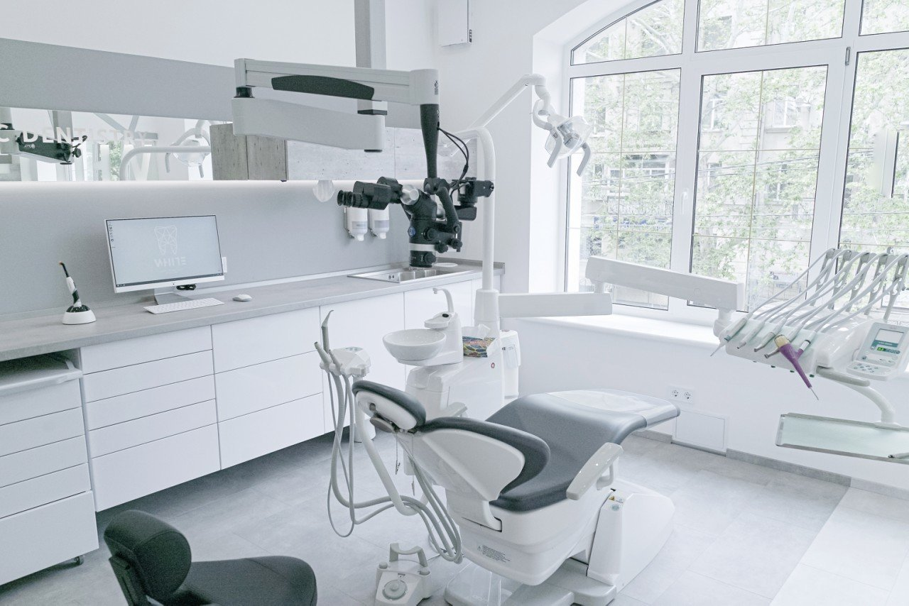Безболезненное лечение зубов в Николаеве: ТОП стоматологий города, фото-28
