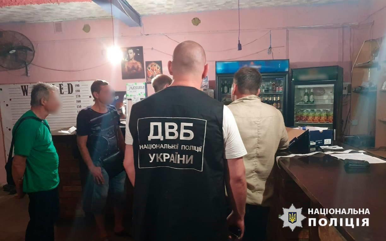 """На Николаевщине патрульный """"попался"""" на взятке: он может сесть на 10 лет, фото-1"""