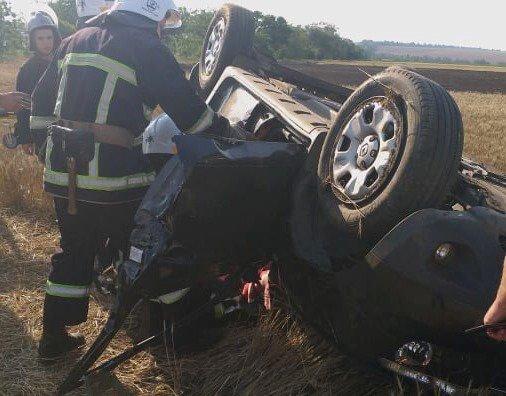 В Николаевской области перевернулся внедорожник: четыре человека пострадало, - ФОТО, фото-1
