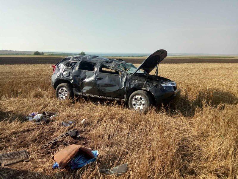 В Николаевской области перевернулся внедорожник: четыре человека пострадало, - ФОТО, фото-2
