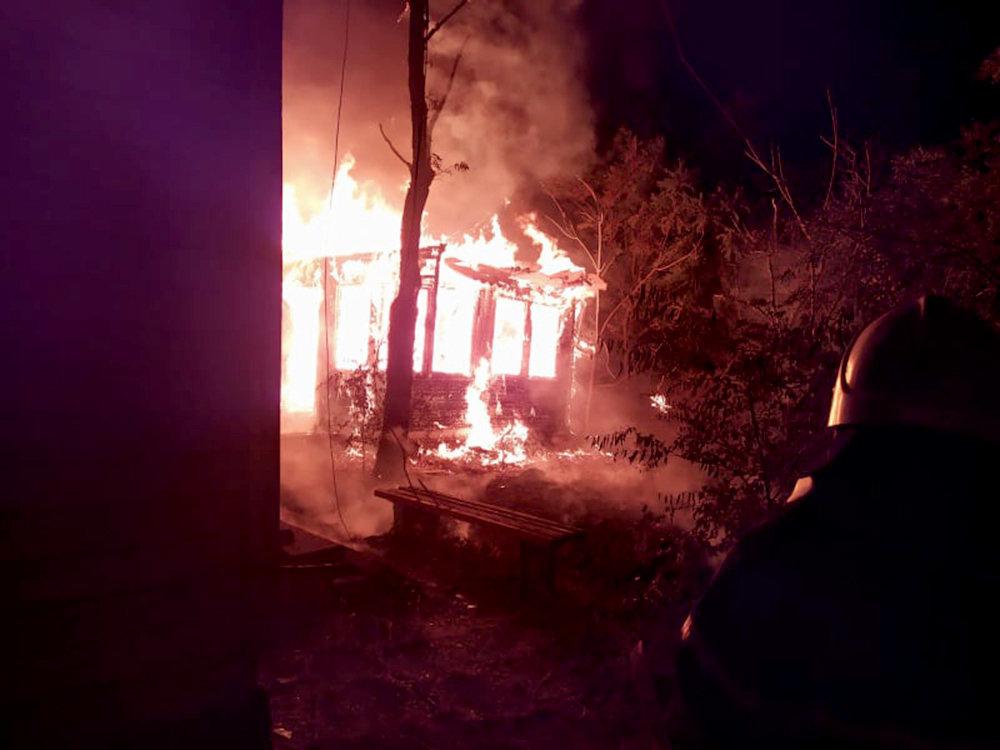 На Николаевщине горела неработающая база отдыха: подозревают поджог, - ФОТО, фото-2