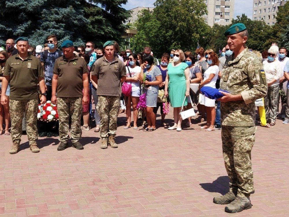 На Николаевщине простились с 18-летнем бойцом, который погиб на Донбассе, - ФОТО, фото-14